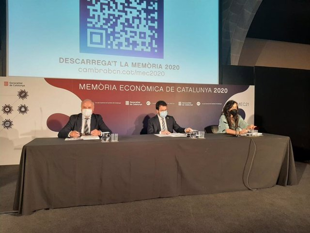 Presentació de la Memòria Econòmica de Catalunya 2020, amb el president de la Generalitat, Pere Aragonès, i la presidenta de la Cambra de Barcelona, Mònica Roca