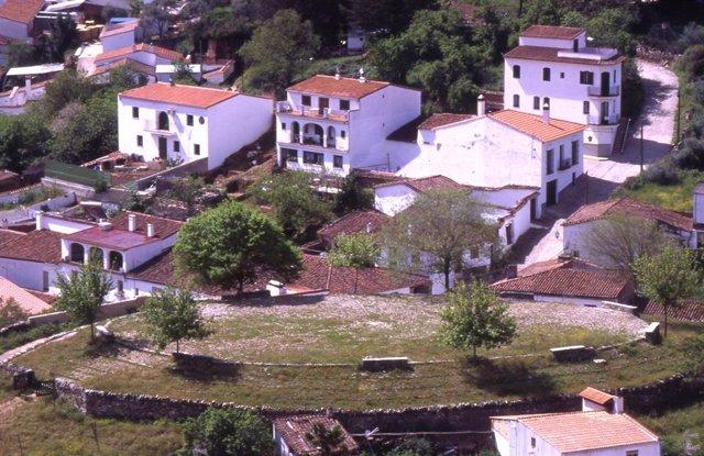 Archivo - La localidad onubense de Galaroza.