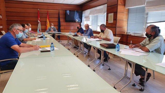 Reunión de las OPAs, la cooperativas agrarias y la Consejería de Agricultura para tratar la nueva PAC.