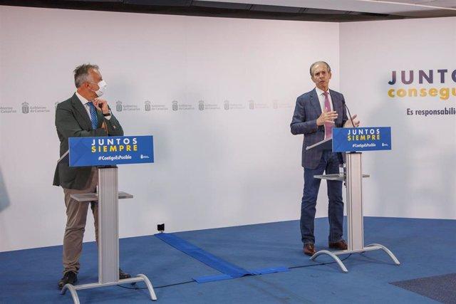 El presidente de Canarias, Ángel Víctor Torres, y presidente de la Federación regional de Lucha Canaria