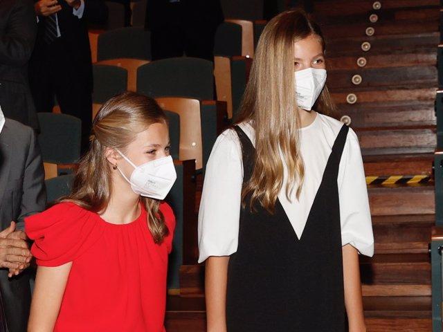 La Princesa Leonor y la Infanta Sofía en la entrega de los Premios Princesa Fundación de Girona