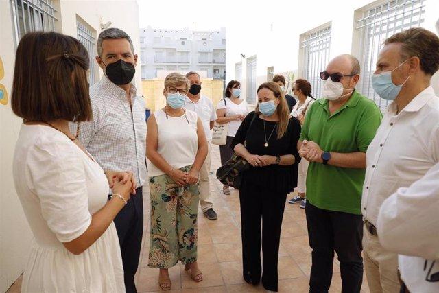 De la Encina en Rota visitando el programa de Afanas