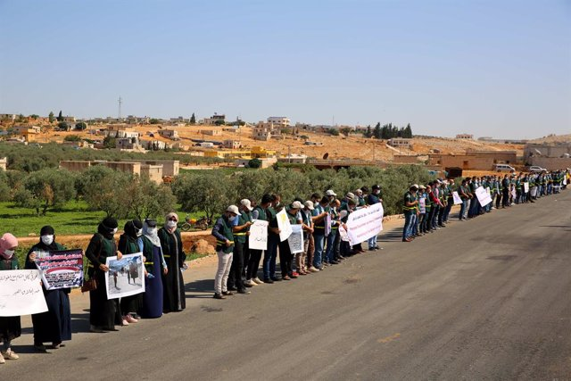 Cadena humana para pedir el acceso de ayuda a Idlib, Siria