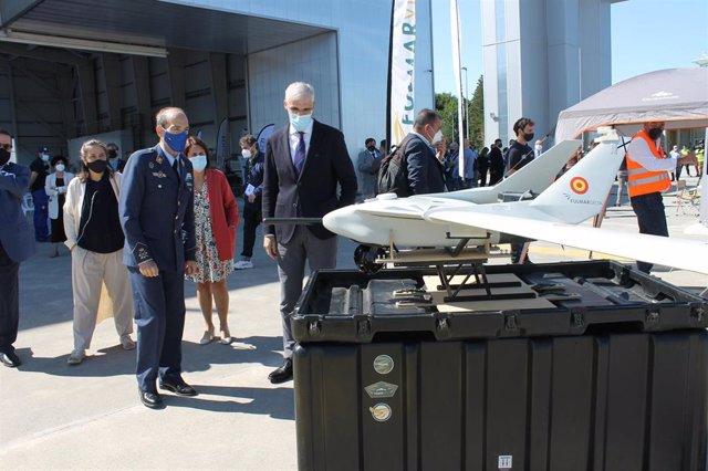 El vicepresidente económico de la Xunta, Francisco Conde, en una visita a Rozas durante la celebración de Unvex