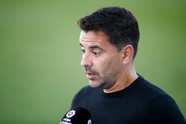 """Archivo - Miguel Angel """"Michel"""" Sanchez Munoz, head coach of Huesca, attends after the spanish league, La Liga Santander, football match played between Real Madrid and SD Huesca at Alfredo Di Stefano stadium on October 31, 2020, in Valdebebas, Madrid, Spa"""
