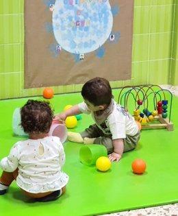 Niños en escuelas infantiles. Escuelas Infantiles aplaude la aprobación en el Parlamento de la iniciativa sobre gratuidad de 0 a 3 años