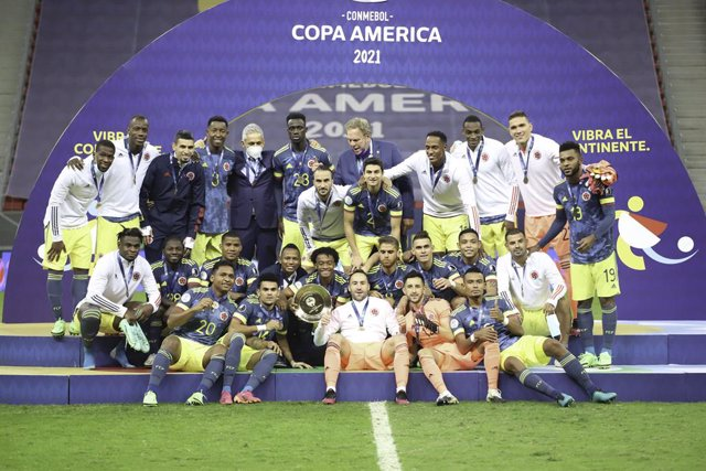 09 July 2021, Brazil, Brasilia: Colombian players celebrate after winning 3rd place during the CONMEBOL Copa America after their soccer match against Peru at Mane Garrincha stadium. Photo: Leco Viana/TheNEWS2 via ZUMA Wire/dpa