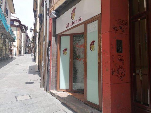 Archivo - Locales de ocio nocturno en Oviedo. Calle Mon.