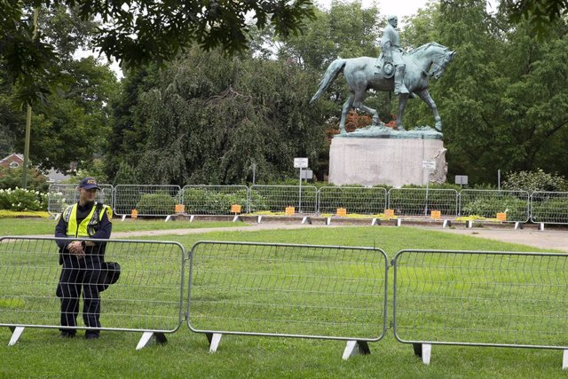 Archivo - Estatua equestre del general confederado Stonewall Jackson, en Charlottesville, 2018.