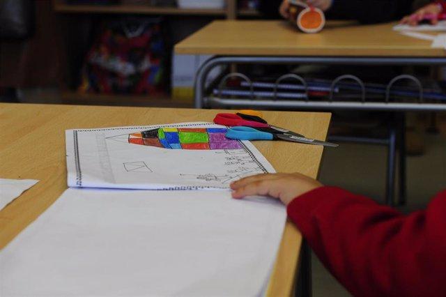 Archivo - Escolar, aula, colegio, pupitre