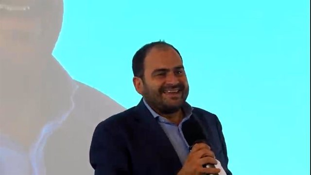 El president de SCC, Fernando Sánchez Costa, en la clausura de l'escola d'estiu de SCC.