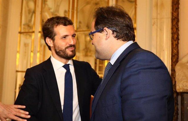 Archivo - El líder del PP, Pablo Casado, junto al presidente del PP en Castilla-La Mancha, Paco Núñez.