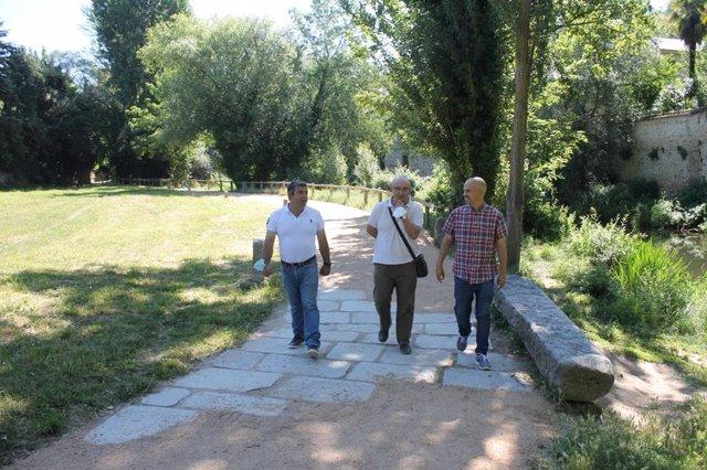 Reparación caminos junto al Eresma.