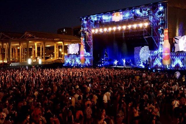 Imagen del segundo día del festival Cruïlla, que cierra una edición que ha acogido a más de 51.000 personas sin distancia y con test