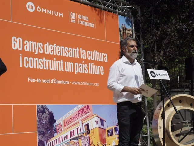 El president d'Òmnium, Jordi Cuixart, en la inauguració de l'exposició amb motiu del 60 aniversari de l'entitat.