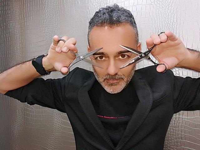 Carlos Bardullas, peluquero gallego.