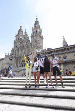 Los cuatro instagrammers que han recorrido parte del Camino Portugués, llegan a Compostela