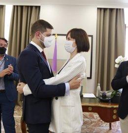 José Manuel Prieto, nuevo alcalde de Gandia (Valencia), con Diana Morant, la hasta ahora primer edil y nueva ministra de Ciencia e Innovación
