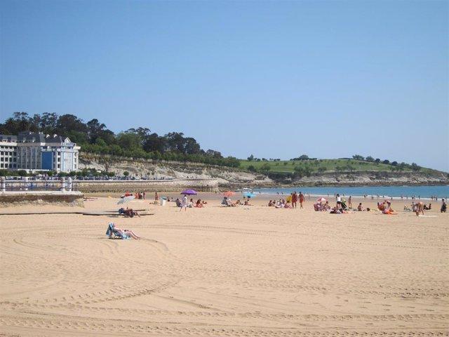 Archivo - Segunda Playa del Sardinero