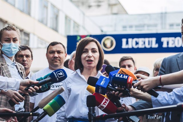 11 July 2021, Moldova, Chisinau: Maia Sandu, President of Moldova, speaks to the press after casting her vote during the Moldovan parliamentary election. Photo: Diego Herrera/SOPA Images via ZUMA Wire/dpa