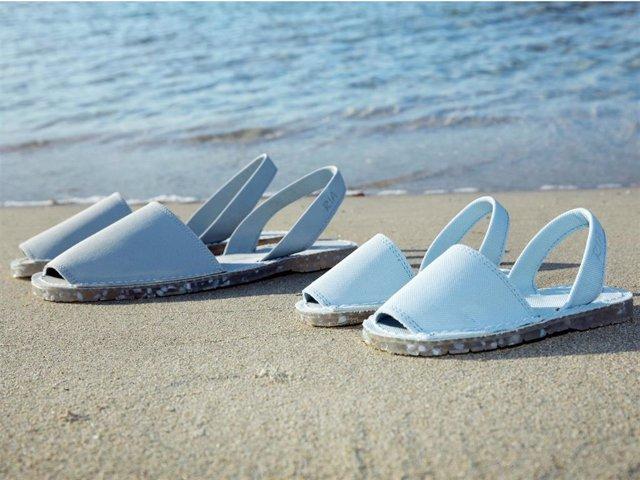 Archivo - RIA Menorca lanza la primera colección de abarcas realizadas en plástico 100% reciclado