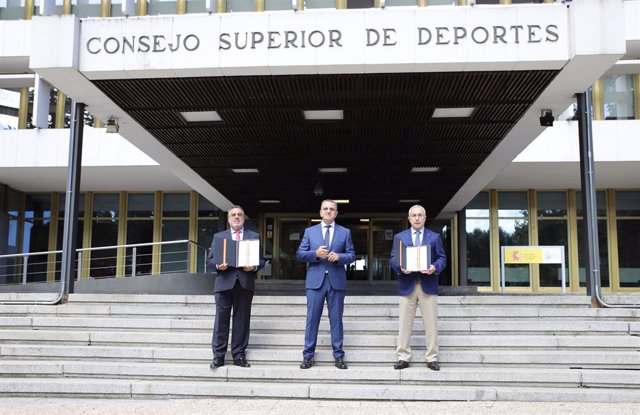 Carballeda, Franco y Blanco tras firmar el convenio