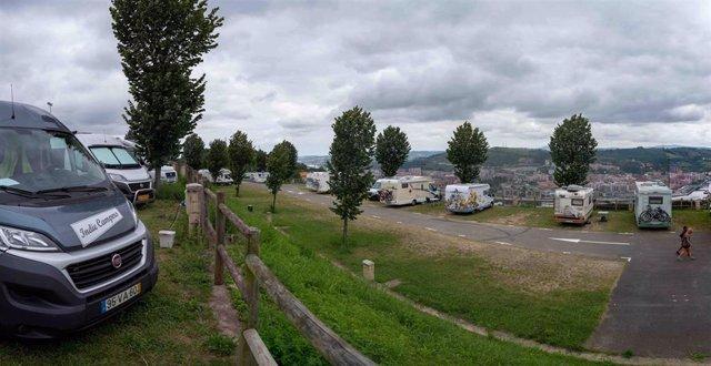 Archivo - Parking de autocaravanas de Kobetamendi en Bilbao.
