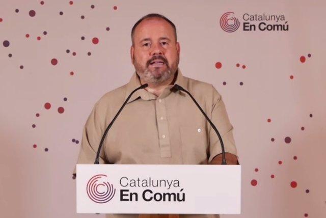 El portaveu dels comuns i diputat al Congrés, Joan Mena, en la conferència de premsa