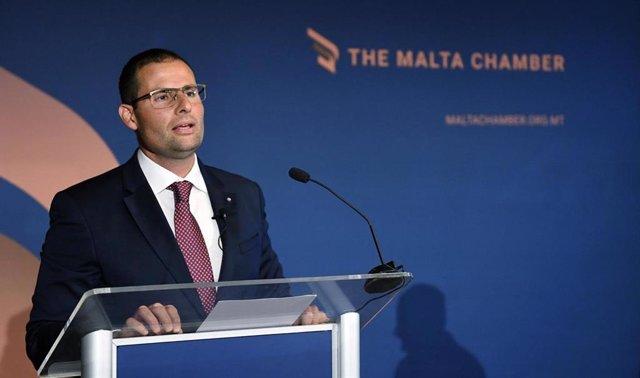 Archivo - El primer ministro de Malta, Robert Abela, en una comparecencia