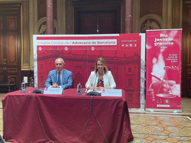 El vicedecano del icab, Jesús M. Sánchez, y la diputada de la junta de Govern responsable del Turno de Oficio, Carmen Valenzuela