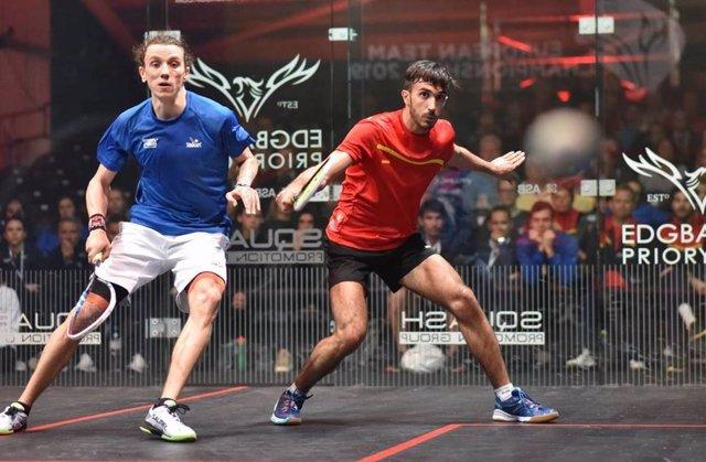 Archivo - Iker Pajares con el equipo español de squash
