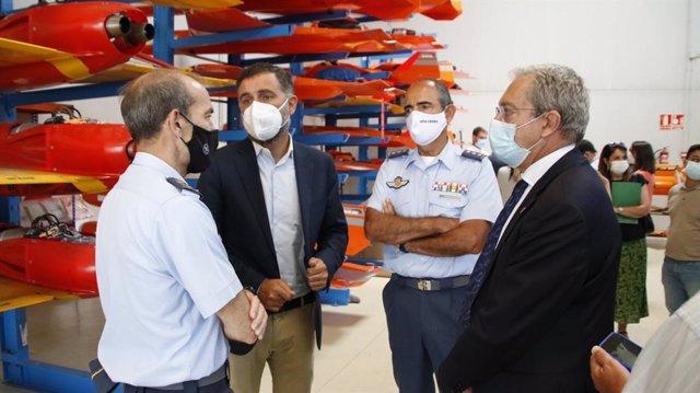 Visita al Centro de Experimentación de El Arenosillo (CEDEA) para abordar el desarrollo del CEUS.