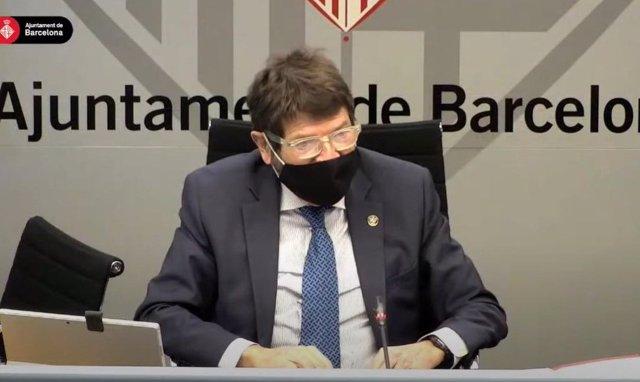 Archivo - El teniente de alcalde de Seguridad de Barcelona, Albert Batlle, durante una comisión de Presidencia - Archivo