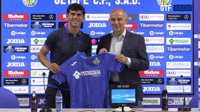 Presentación del nuevo jugador del Getafe CF Carles Aleñá