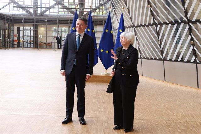 From left to right: Paschal DONOHOE (Minister for Finance of Ireland and President of the Eurogroup), Janet YELLEN (US Treasury Secretary)