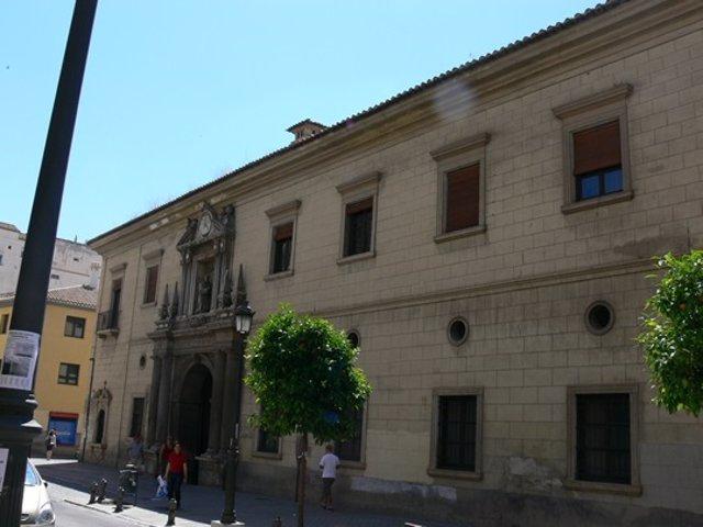 Archivo - Facahada del centro Provincial de Drogodependencias de Granada, en el antiguo Hospital de San Juan de Dios