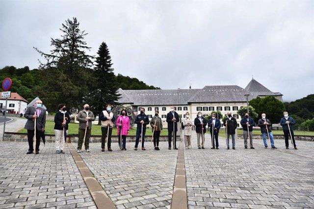 Foto de familia de los asistentes a la ceremonia de apertura del Año Jacobeo 2021-2022, a 12 de julio de 2021, en Roncesvalles, Navarra, (España). El Camino de Santiago de Compostela, fue declarado por la UNESCO Patrimonio Mundial de la Humanidad en su re