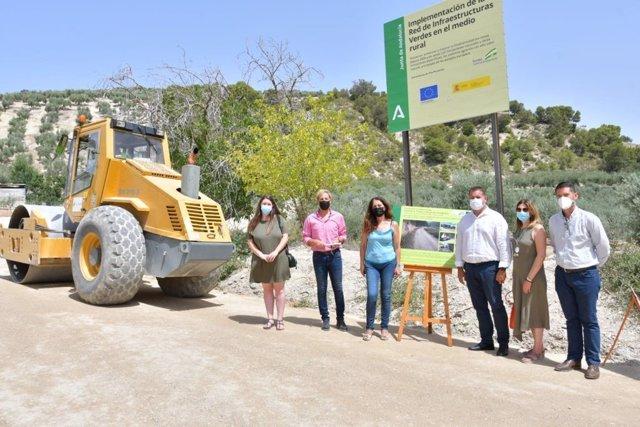 La Junta acondiciona la vía pecuaria Vereda de la Fuente de la Hoya en Montefrío (Granada) como infraestructura de uso agrario