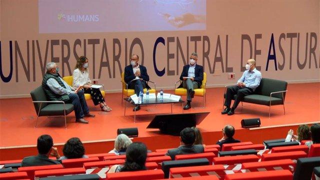 Presentación en el HUCA del Consenso Autonómico por la humanización de la atención a personas con esclerosis múltiple