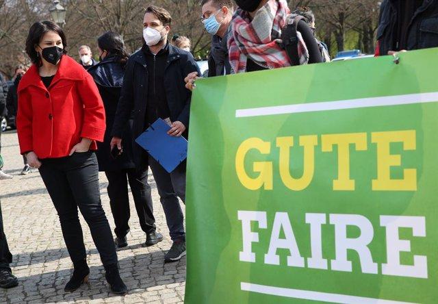 Archivo - La candidata de Los Verdes de Alemania, Annalena Baerbock, durante un acto, en mayo de 2021