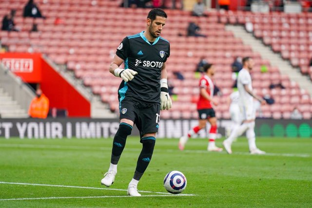 Archivo - Leeds United goalkeeper Kiko Casilla during the English championship Premier League football match between Southampton and Leeds United on May 18, 2021 at the St Mary's Stadium in Southampton, England - Photo Malcolm Bryce / ProSportsImages / DP