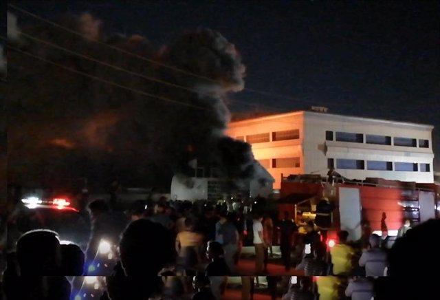 Incendio en el Hospital Universitario de Al Huseín, en Nasiriya, Irak