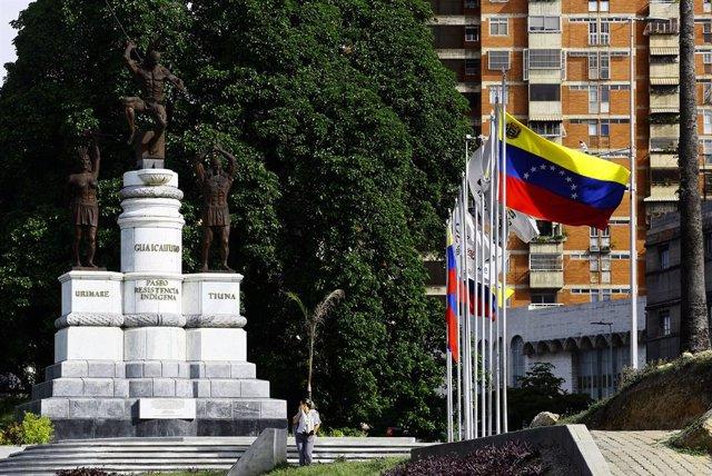 Archivo - Banderas de Venezuela en Caracas