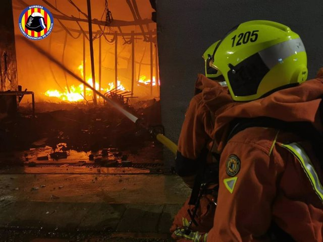 Incendio en Beniarjó