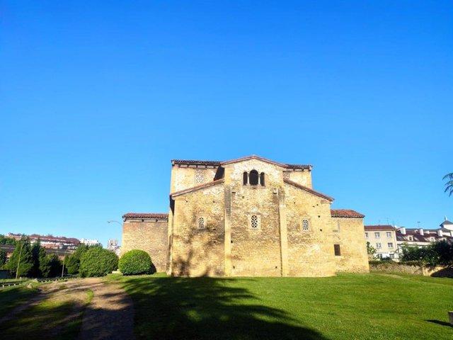 Archivo - Iglesia de San Julián de los Prados, prerrománico en Oviedo