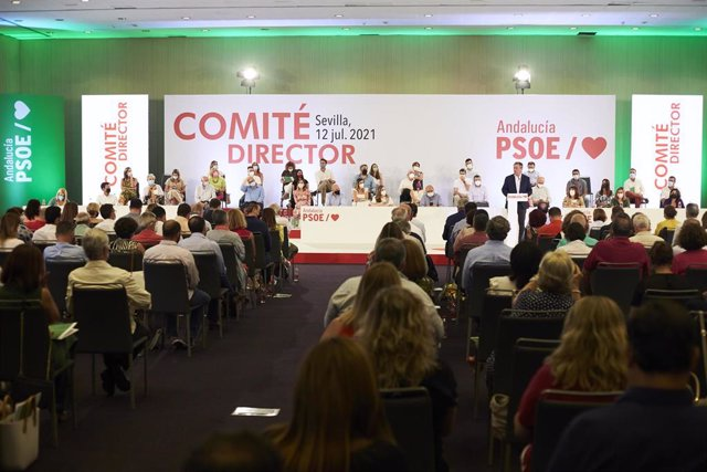 El candidato a la Junta de Andalucía y alcalde de Sevilla,  Juan Espada,  intervine en  la reunión del Comité Director extraordinario del PSOE-A, a 12 de julio del 2021 en Sevilla (Andalucía)