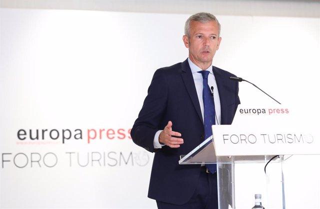 El Vicepresidente Primero y Consejero de Presidencia, Justicia y Turismo de la Xunta de Galicia, Alfonso Rueda, participa en el Foro Turismo de Europa Press en el Hotel Eurostars Madrid Tower, a 13 de julio de 2021, en Madrid (España).