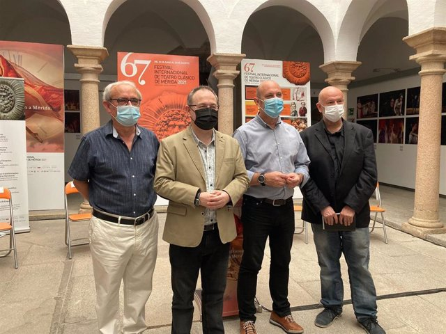 Presentación del X Encuentro con los Clásicos en Mérida