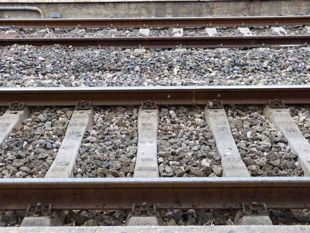 Archivo - Vías de tren, Corredor Mediterráneo