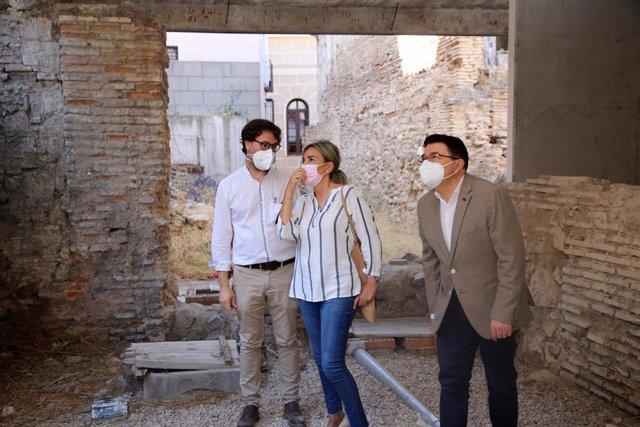 La alcaldesa de Toledo, Milagros Tolón, anuncia un espacio para la culutra en el Corral de don Diego.